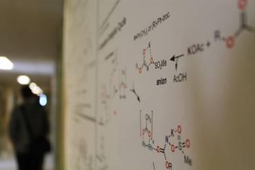 La chimie opère entre professeur.es et étudiant.es-chercheur.ses